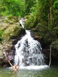 In de waterval