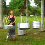 Steelpan spelen in de botanische tuin